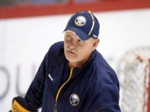 Хоккеист сломал своему тренеру три ребра