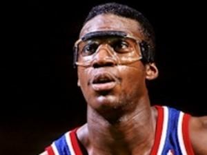 Бывший игрок НБА попался на краже труб