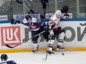 В матче плей-офф КХЛ забросили 10 шайб