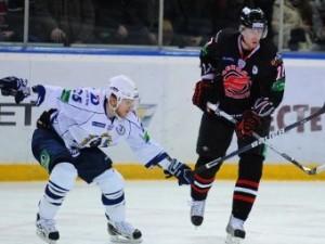 «Авангард» начал плей-офф КХЛ с победы