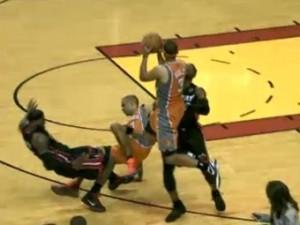 «Майами Хит» набрал 17 очков подряд в концовке матча НБА