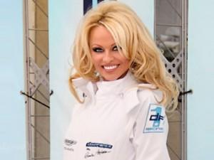 Памела Андерсон организовала свою гоночную команду