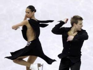 Российские фигуристы не попали в первую тройку после короткого танца