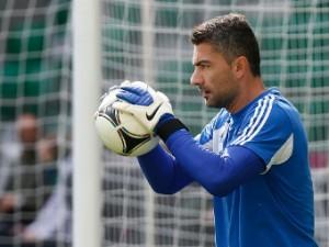 Основной вратарь сборной Греции пропустит матч с Россией