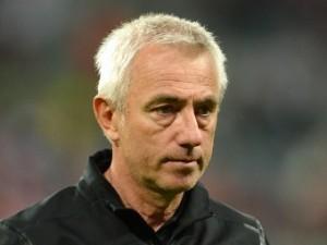 Тренер сборной Голландии уволился после провала на Евро-2012