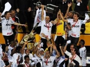 «Коринтианс» впервые выиграл Кубок Либертадорес