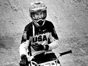 Трехкратный чемпион мира по велоспорту погиб в автокатастрофе