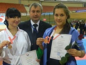 Рославльские каратистки привезли две медали с международного турнира