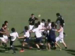 В Парагвае судья после драки удалил 36 футболистов