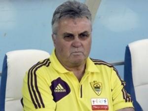Хиддинк объяснил поражение от «Ливерпуля» нервозностью игроков «Анжи»