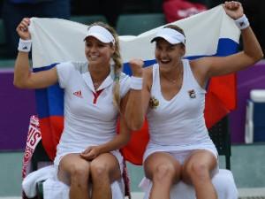 Петрова и Кириленко в паре выиграли итоговый турнир WTA