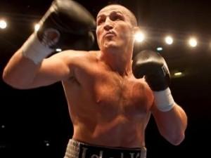Денис Лебедев стал чемпионом мира без боя