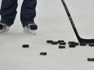 В Уфе болельщик ранил хоккеиста из травматического пистолета