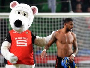 Пять футболистов отстранены от игр за сборную Франции