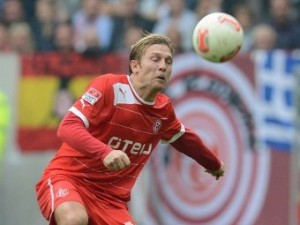 Футболиста «Динамо» оштрафовали за поход в ночной клуб в Германии