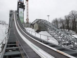 В Сочи отменили соревнования на олимпийском трамплине из-за отсутствия снега