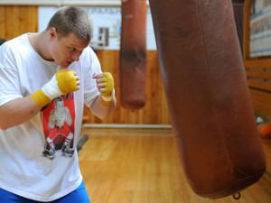 Боксеры из Узбекистана и Кубы стали претендентами на титул Поветкина