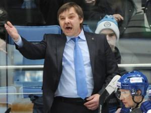 Тренер московского ХК «Динамо» извинился перед фоторепортером