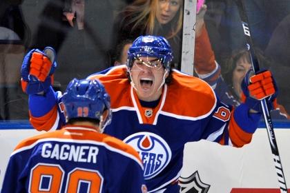 Капитан российской молодежки забросил первую шайбу в НХЛ