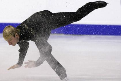 Плющенко упал во время выступления на чемпионате Европы