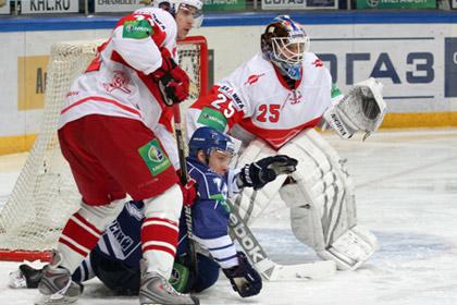 Хоккейный «Спартак» ушел с последнего места в конференции