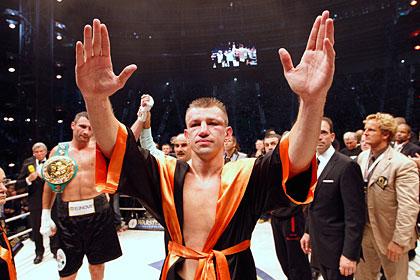 Бой претендентов на титул Кличко отменили