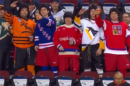 Яромир Ягр увидел своих двойников на матче НХЛ