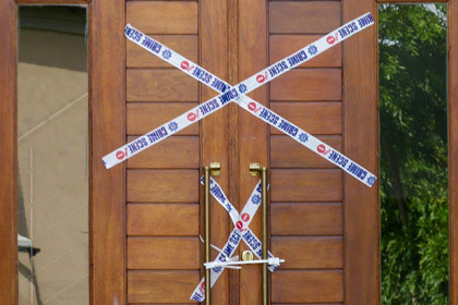В доме Писториуса нашли допинг и окровавленную биту для крикета