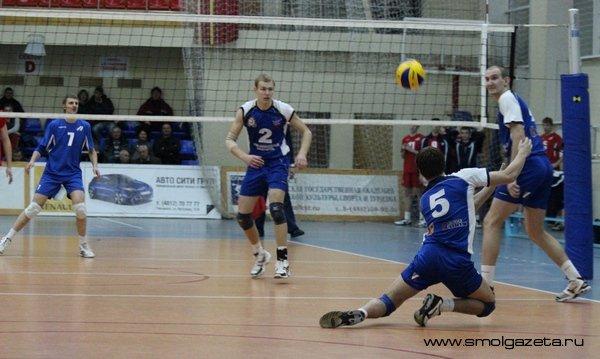 Смоленский «Феникс» завершил первый полуфинал на победной ноте
