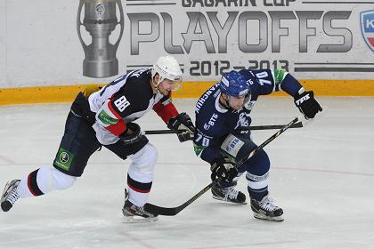 «Динамо» стартовало с победы в плей-офф КХЛ