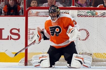 Брызгалов отдал голевой пас в матче НХЛ