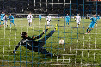 «Анжи» проиграл в 1/8 финала Лиги Европы