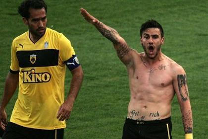 Греческого футболиста дисквалифицировали за нацистский жест