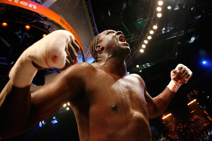 Панамский боксер пообещал зрителям крови Дениса Лебедева
