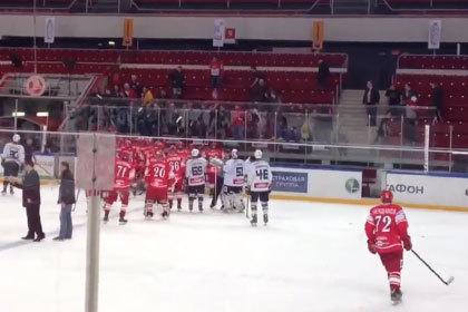 Фанаты «Спартака» попытались подраться с чешскими хоккеистами