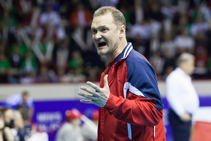 В сборной России по волейболу нашли замену Владимиру Алекно