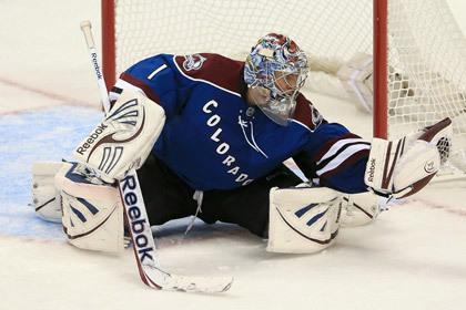 Семен Варламов отразил 29 бросков в матче НХЛ