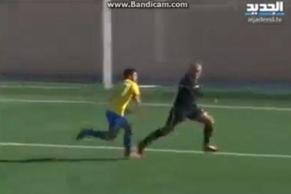 Футболист избил арбитра за желтую карточку