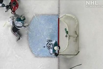 Игрок НХЛ спас пустые ворота спиной