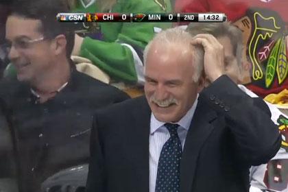 В матче НХЛ шайба попала в голову тренеру