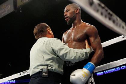 Американского боксера лишили чемпионского титула