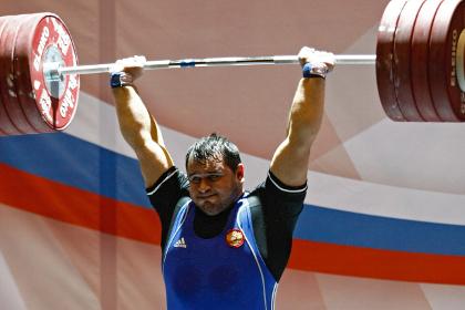 Российские тяжелоатлеты выиграли медальный зачет ЧЕ