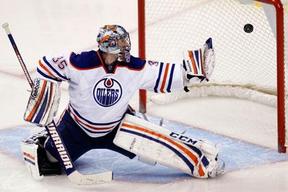 Хабибулин пропустил четыре шайбы в матче НХЛ