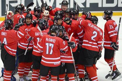 Сборная Канады вышла в финал юниорского ЧМ по хоккею