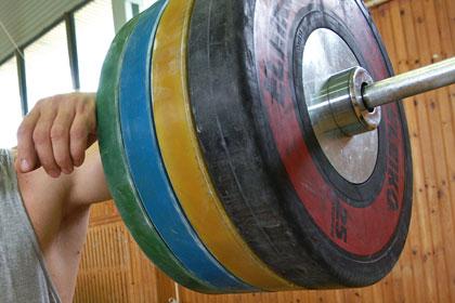 Восемь российских тяжелоатлетов дисквалифицированы за допинг