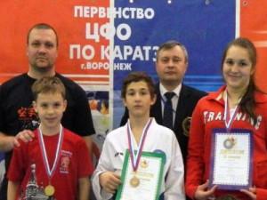 Рославльская каратистка привезла медаль окружного первенства