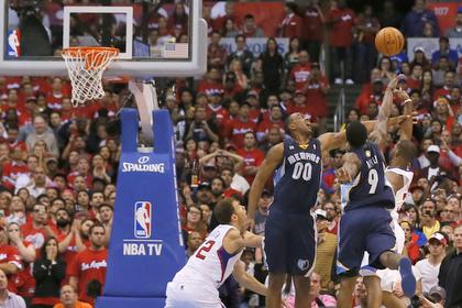 Исход матча плей-офф НБА решил бросок с сиреной
