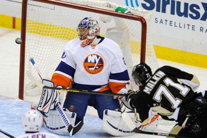 Набоков пропустил четыре шайбы в матче плей-офф НХЛ