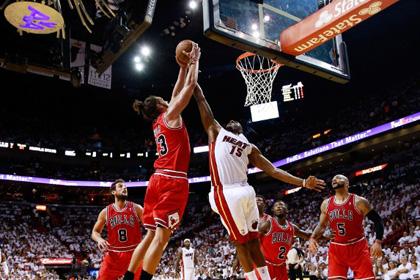 «Чикаго» обыграл «Майами» в первом матче второго раунда плей-офф НБА