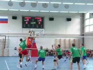 Ветераны смоленского волейбола устроили «Матч звезд»